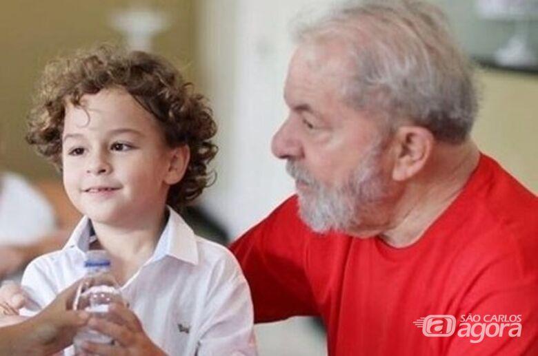Neto do ex-presidente Lula morre de meningite aos sete anos - Crédito: Divulgação