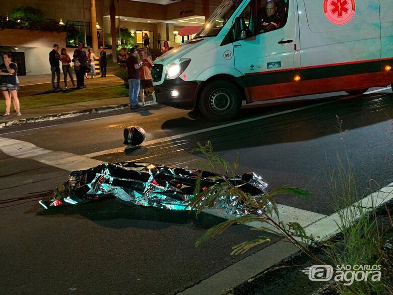 Homem morre e três pessoas ficam feridas em acidente envolvendo duas motos em Araraquara - Crédito: Araraquara 24 Horas