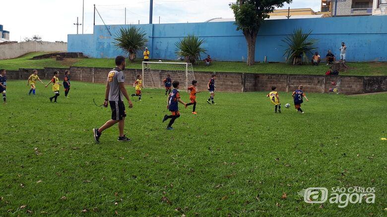 Multi Esporte realiza treino de transição para atletas do futsal para o futebol - Crédito: Divulgação
