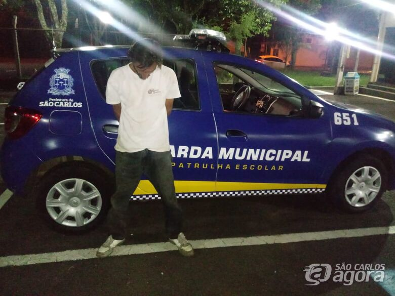 Ladrão é detido no Cruzeiro do Sul com hidrômetro que furtou no Jardim Ricetti - Crédito: São Carlos Agora
