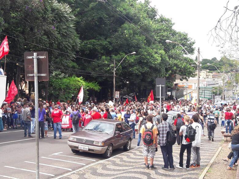 São-carlenses se reúnem para manifesto contra a reforma da Previdência - Crédito: São Carlos Agora