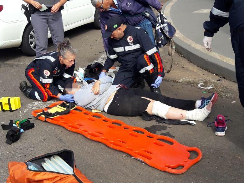 Motociclista sofre cortes profundos após colisão no Jardim Ricetti - Crédito: São Carlos Agora