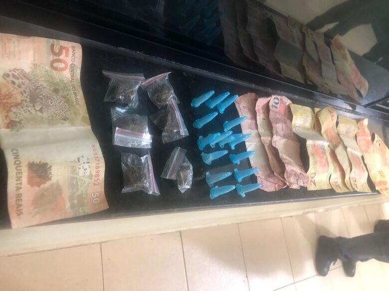 PM detém homem por tráfico de drogas no Cidade Aracy - Crédito: São Carlos Agora