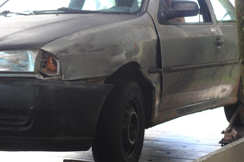 Motorista com sinais de embriaguez bate em carros estacionados no Cidade Aracy - Crédito: São Carlos Agora