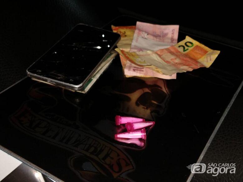 Adolescente é flagrado com celular furtado e cocaína - Crédito: São Carlos Agora