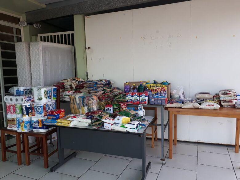Ação entre amigos arrecada alimentos para o Abrigo de Idosos Helena Dornfeld - Crédito: Divulgação