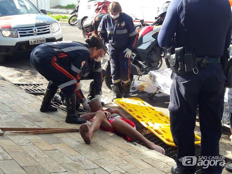 Homem é espancado com barra de ferro no Jardim Beatriz - Crédito: São Carlos Agora