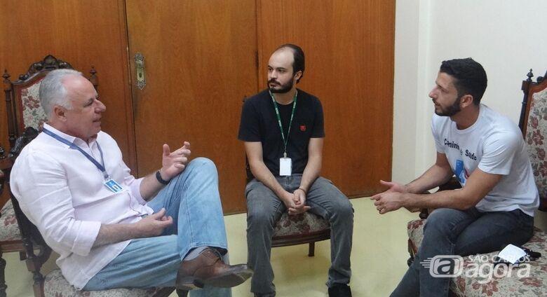 Falta de vagas na UTI e cirurgias eletivas são temas de reunião entre vereador Elton Carvalho e provedor da Santa Casa - Crédito: Divulgação