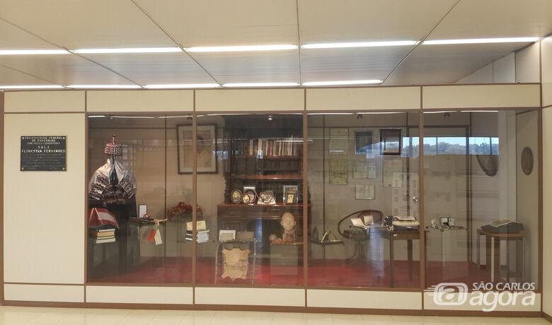 Coleções de obras raras e especiais estão expostas na Biblioteca Comunitária da UFSCar - Crédito: Arquivo DeCORE/BCo
