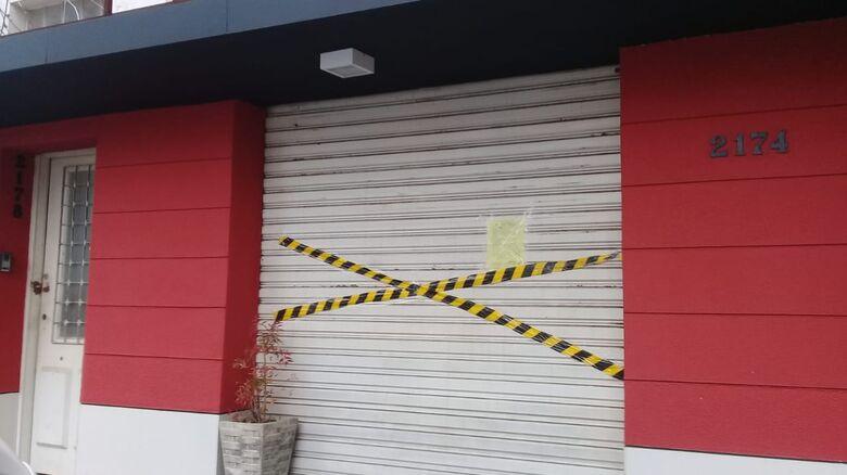 Vigilância Sanitária interdita restaurante no centro de São Carlos - Crédito: Marcos Escrivani