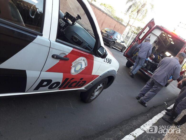 Motociclista bate atrás de carro na Dona Alexandrina - Crédito: São Carlos Agora