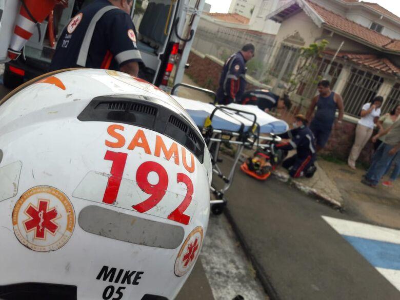 Motorista avança sinal de pare e causa acidente no Centro - Crédito: São Carlos Agora