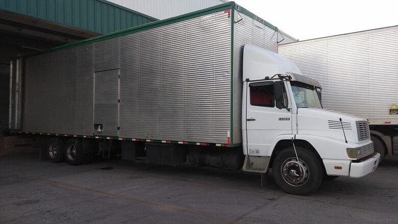 Proprietário pede ajuda para localizar seu caminhão que foi furtado no Douradinho - Crédito: Divulgação