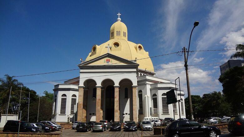 Catedral São Carlos realiza Semana Santa - Crédito: Imagem de Claudio Kirner por Pixabay
