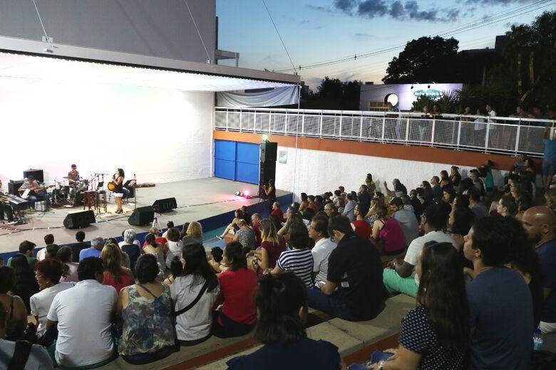 """Circuito Arena: Show """"Elis por Regina"""" resgatou canções da intérprete e prestou homenagem ímpar às mulheres - Crédito: Divulgação"""
