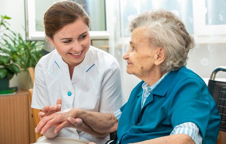 Começa hoje inscrições para o curso de cuidador de idosos - Crédito: Divulgação