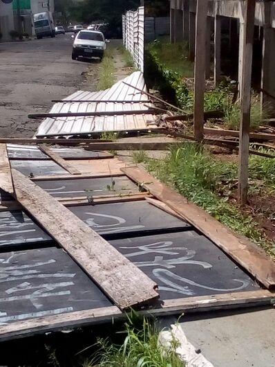 Obra abandonada preocupa moradores no Morada dos Deuses - Crédito: Divulgação