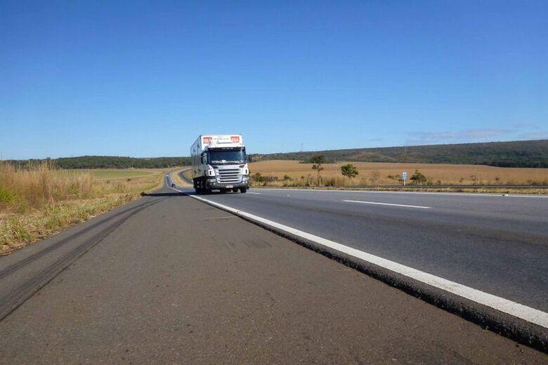 Bolsonaro cancela instalação de 8 mil radares em estradas do país - Crédito: Divulgação