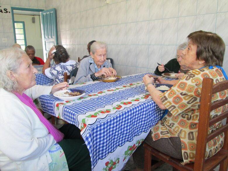 Bazar beneficente irá ajudar o Abrigo de Idosos Helena Dornfeld - Crédito: Divulgação