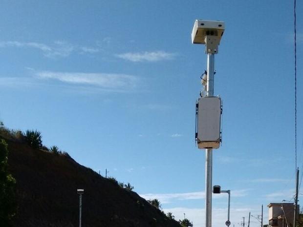 Ipem-SP realiza verificação de radar na SP-215 - Crédito: Divulgação