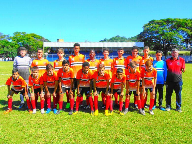 Em jogos equilibrados, Salesianos mostrou bom futebol na rodada do Campeonato Municipal - Crédito: Divulgação