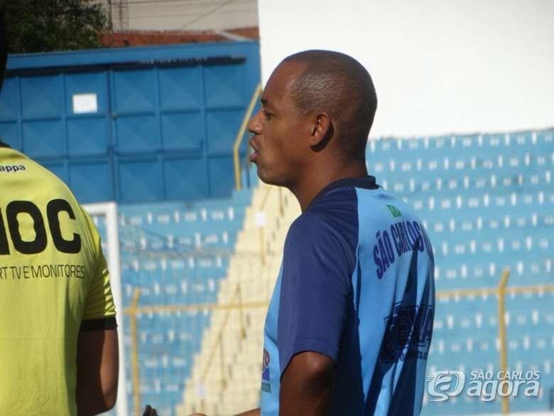 Gol no começo do jogo 'desmonta' esquema e São Carlos perde para a Ferrinha - Crédito: Marcos Escrivani