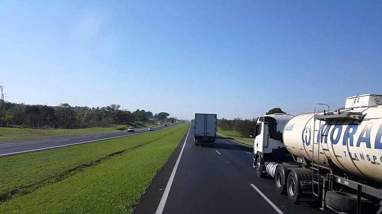 Mais de 186 mil veículos devem passar pela rodovia Washington Luis, entre São Carlos e Mirassol - Crédito: Arquivo/SCA
