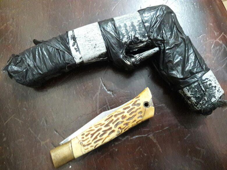 Polícia encontra canivete e réplica de arma com adolescentes - Crédito: São Carlos Agora
