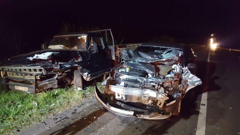 Quatro pessoas ficam feridas após colisão na SP-215; uma em estado grave - Crédito: Divulgação