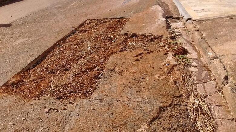 Moradores pontuam falta de recapeamento em ruas do Cidade Jardim e Parque Arnold Schmidt - Crédito: Divulgação