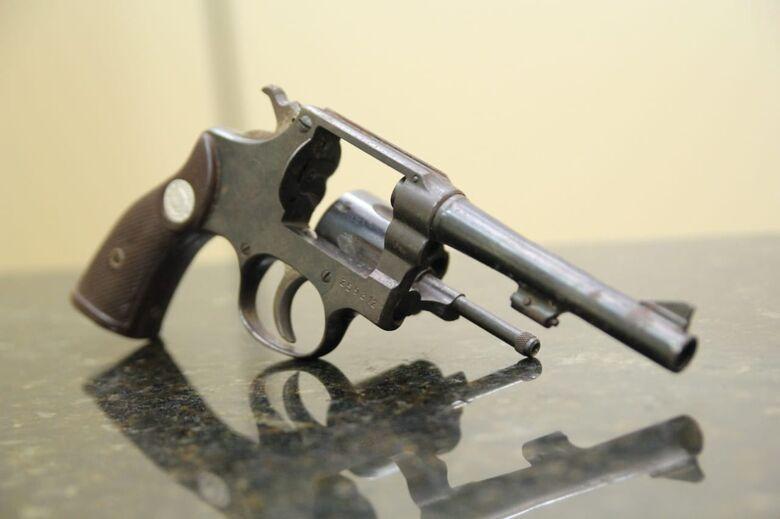 Adolescente é detido com arma de fogo no Jardim Gonzaga - Crédito: São Carlos Agora
