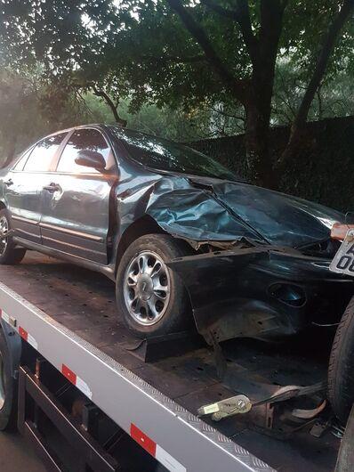 Motorista bêbado e sem CNH bate em dois carros estacionados no Boa Vista - Crédito: São Carlos Agora