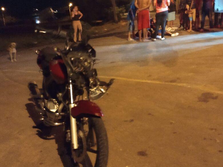 Motociclista fica ferido em colisão após ter a frente cortada - Crédito: São Carlos Agora