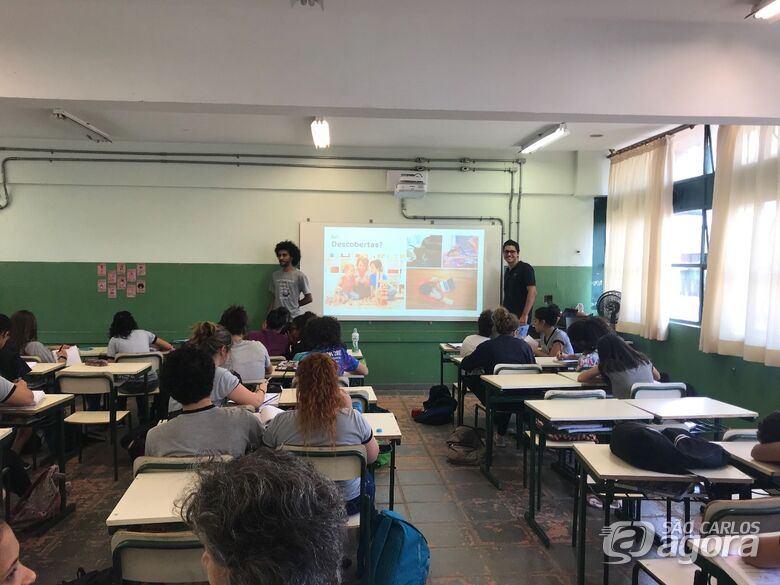 Universitários usam a ciência para aproximar alunos da UFSCar - Crédito: Divulgação