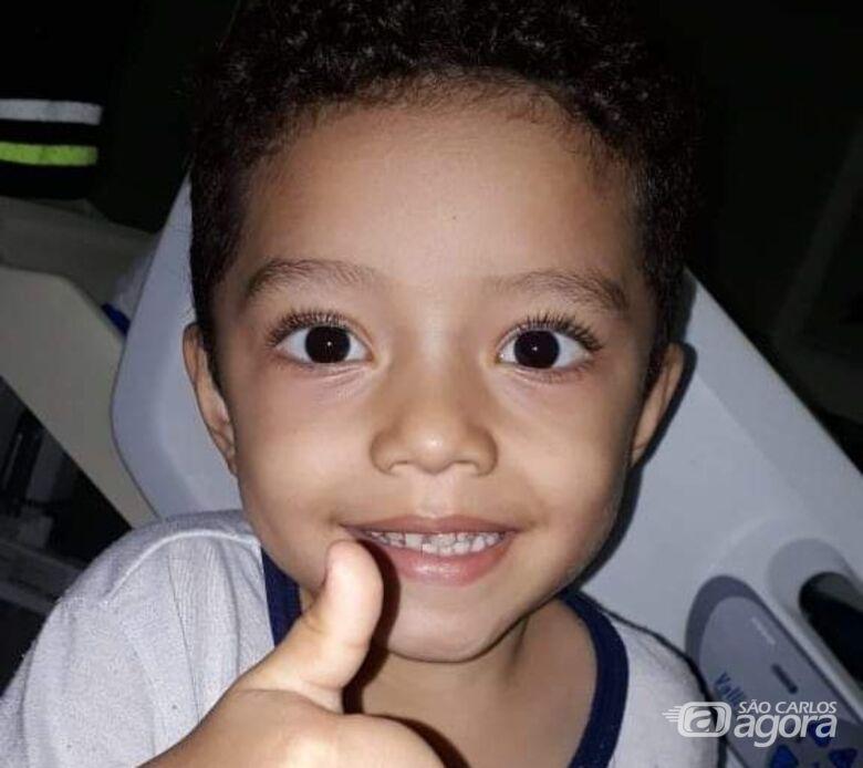 Pequeno Kauã precisa urgentemente de doadores de sangue O positivo - Crédito: Reprodução