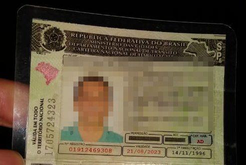 Motorista é detido após ser flagrado com CNH adulterada - Crédito: São Carlos Agora