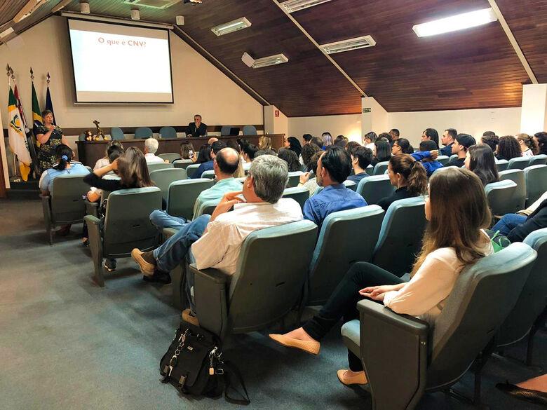 Acisc realiza palestra sobre Comunicação Não Violenta na prática - Crédito: Divulgação