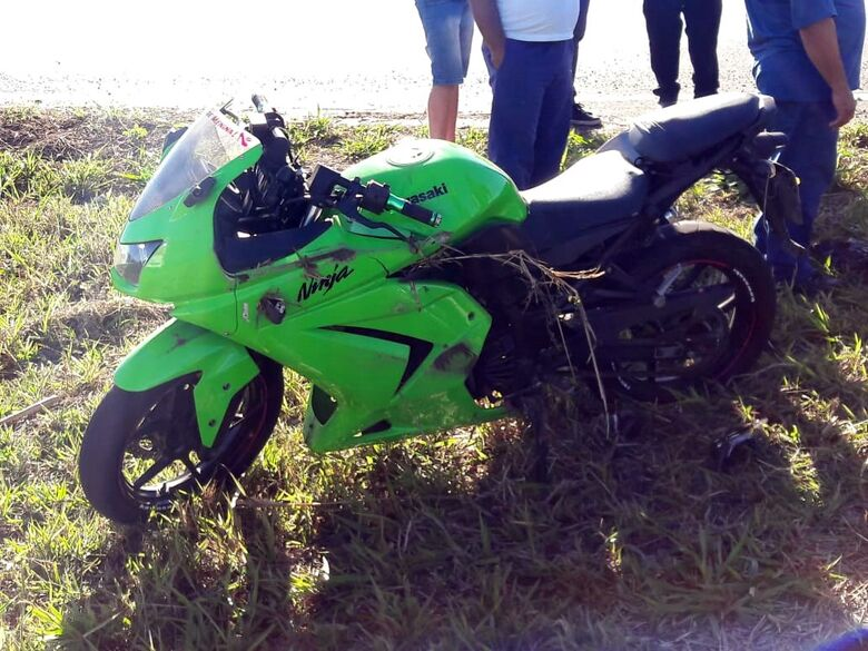 Colisão na estrada do Broa deixa um ferido - Crédito: São Carlos Agora