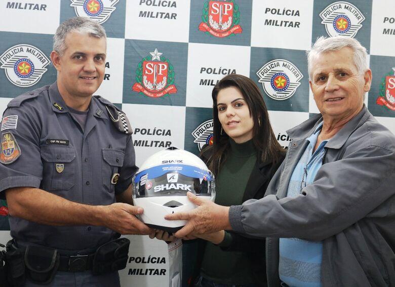 Trânsito faz doação de capacetes para a Polícia Militar - Crédito: Divulgação
