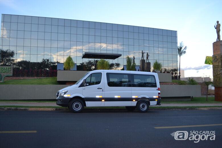 Prefeitura de Ibaté adquire veículo para auxílio no transporte de pacientes - Crédito: Divulgação