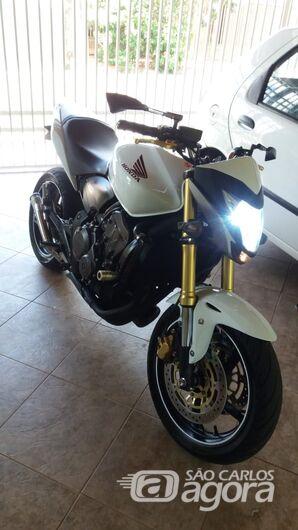 Ladrão arromba portão e furta moto que estava na garagem - Crédito: Divulgação