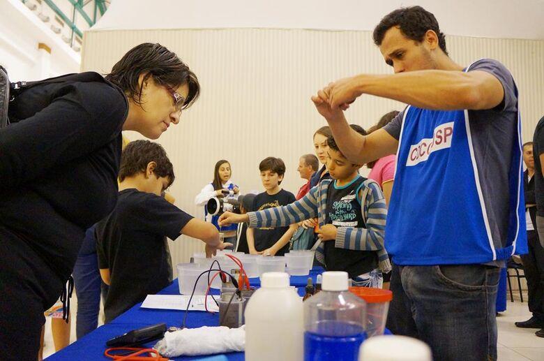 Iguatemi recebe atividades práticas de experimentos científicos - Crédito: Divulgação