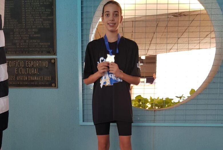 São Carlos tem três nadadoras selecionadas para o Kim Mollo - Crédito: Divulgação