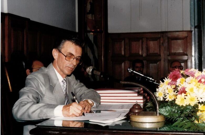 Paulinho Gomes, o comunicador que se colocou a serviço da cidade - Crédito: Arquivos CMSC/FPMSC/Álbum de família