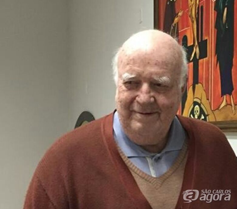 Padre Tombolato segue internado após acidente de carro - Crédito: Divulgação