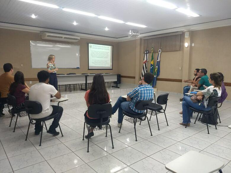 Cidadania realiza reunião com famílias interessadas em participar do Programa de Apadrinhamento - Crédito: Divulgação