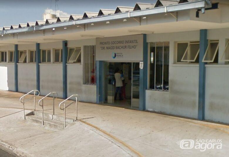 Criança chegou a ser encaminhada ao pronto-socorro infantil, mas morreu no caminho - Crédito: Google Maps
