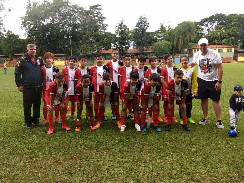 Com o técnico da Seleção Brasileira na arquibancada, Salesianos vence dois jogos no Municipal - Crédito: Divulgação