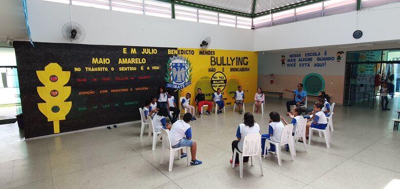 """Escola """"Julio Mendes"""" conscientiza alunos sobre Maio Amarelo e Dia do Desafio em Ibaté - Crédito: Divulgação"""