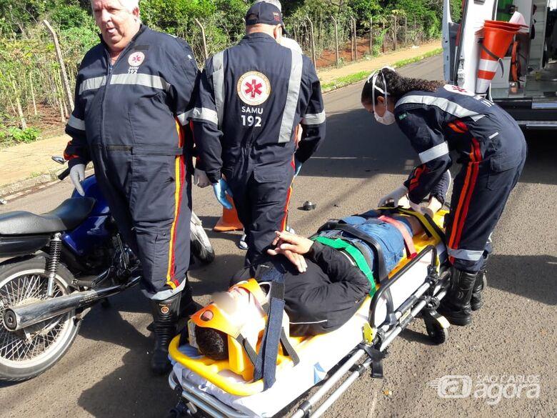 Motociclista fratura o dedo após colisão em avenida - Crédito: Maycon Maximino